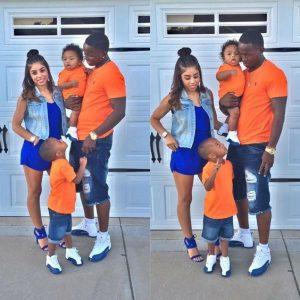 cả nhà mặc màu cam và xanh