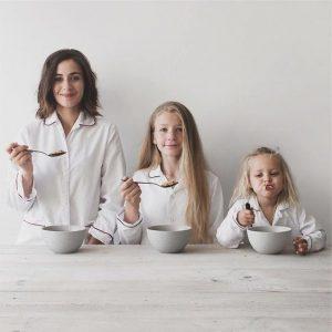 Bộ ảnh mẹ và hai con gái